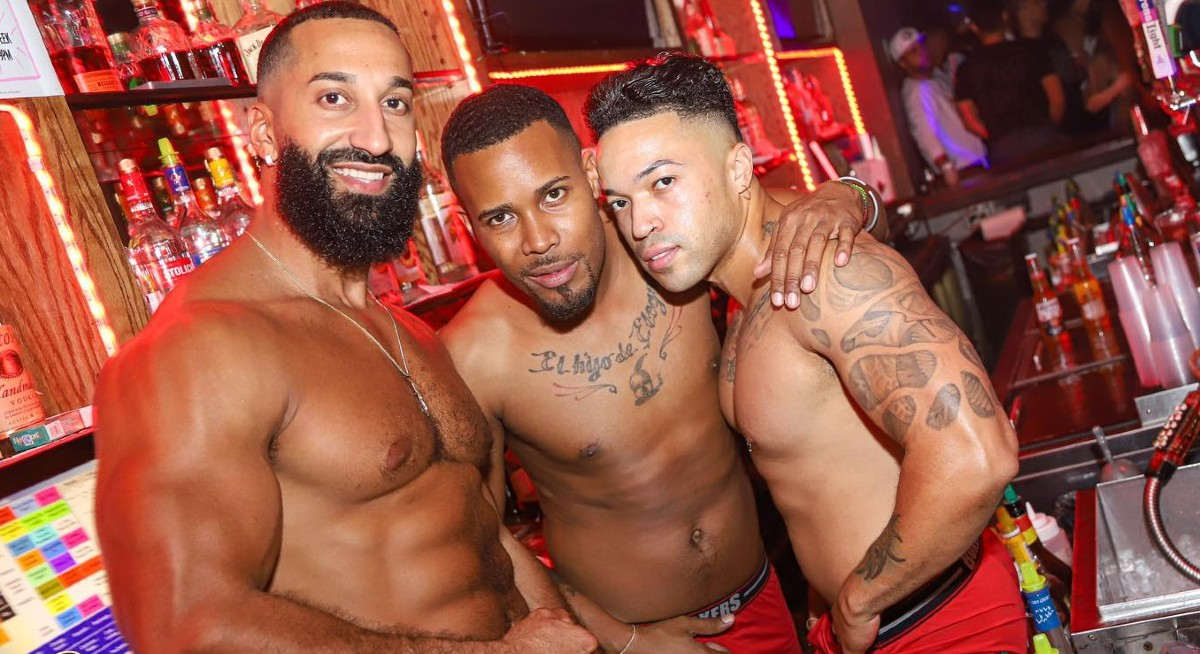 Boxers NYC bar staff