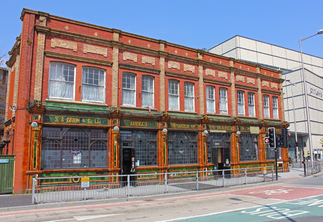 The Golden Cross in Cardiff, Wale