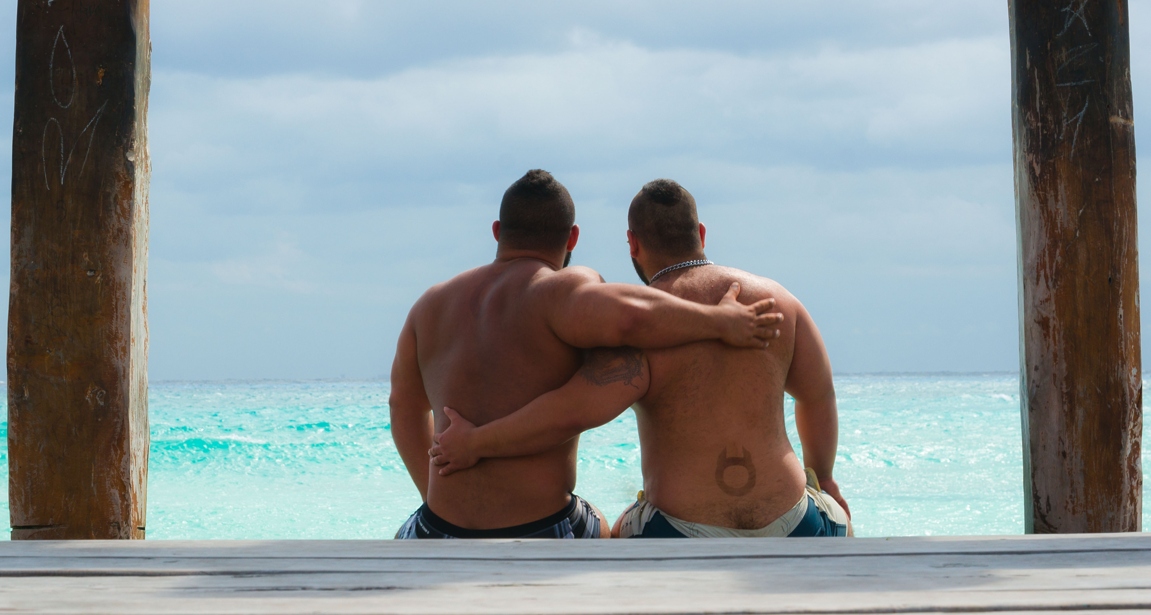 Gay destination weddings in ManAboutWorld and GayCities
